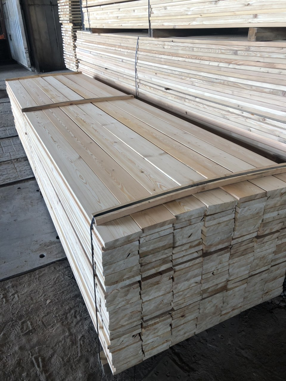Siberian Larch Decking Smooth - Smooth Profile